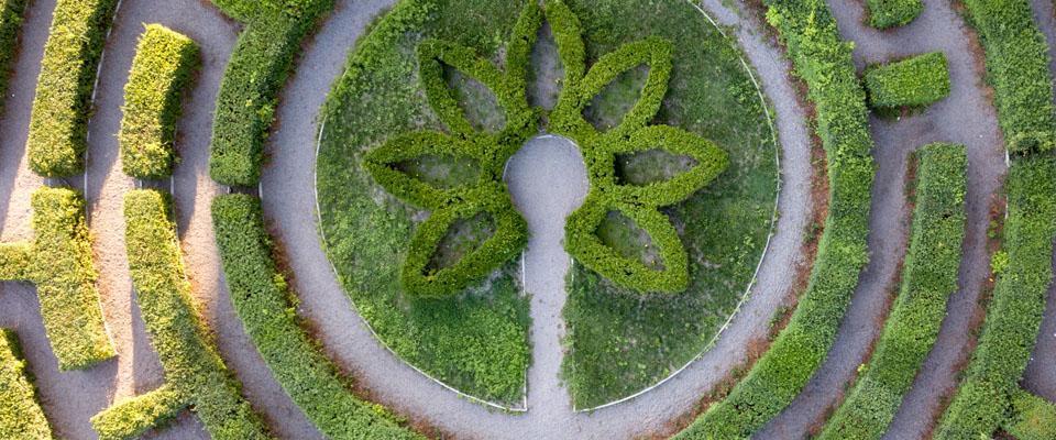 kolisty ogród