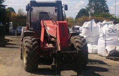 Widły traktora